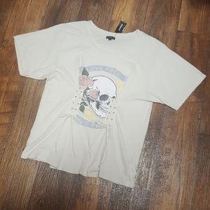 Express Skull T-shirt NWT